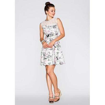 Wit gebloemd kanten jurkje