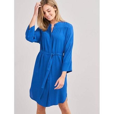 Blauwe jurk met riem
